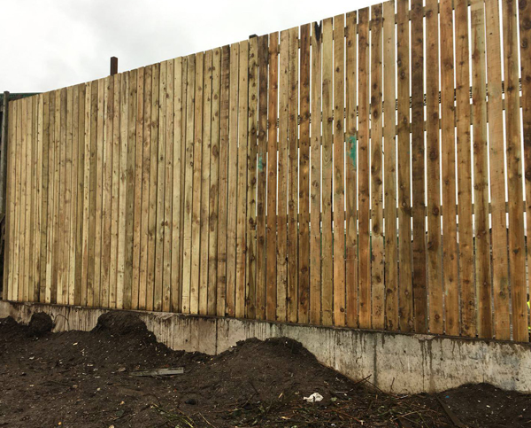 commercial-hit-and-miss-wooden-fencing-image